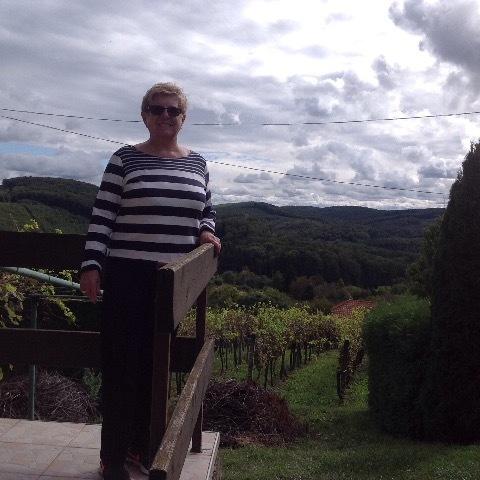 Pircsi, 70 éves társkereső nő - Zalaegerszeg