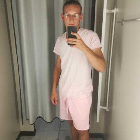 László, 21 éves társkereső férfi - Pakod