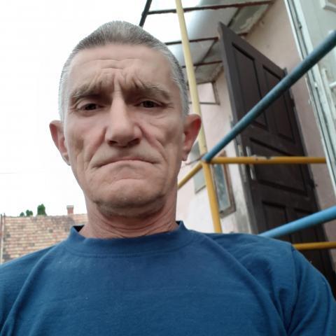 János, 58 éves társkereső férfi - Komárom
