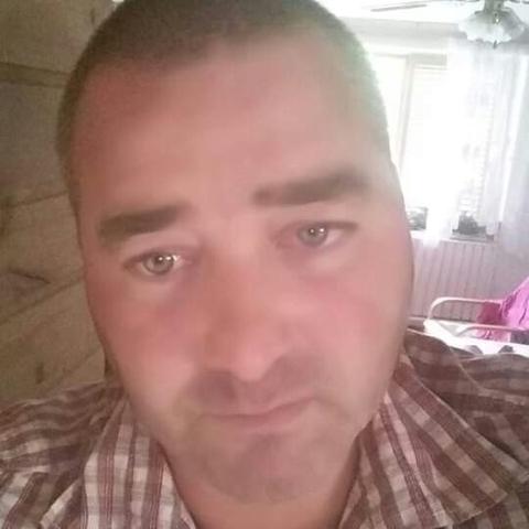 Viktor, 41 éves társkereső férfi - Ecseg