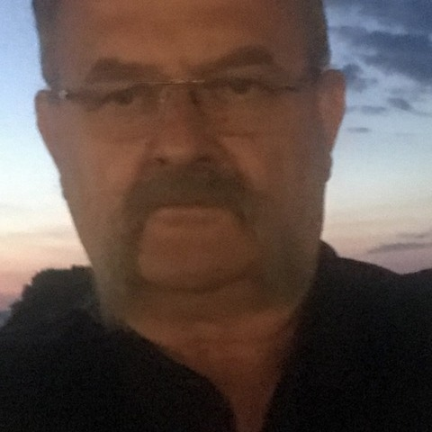 Gyula, 56 éves társkereső férfi - Szeged