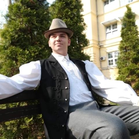 Endre, 22 éves társkereső férfi - Ada