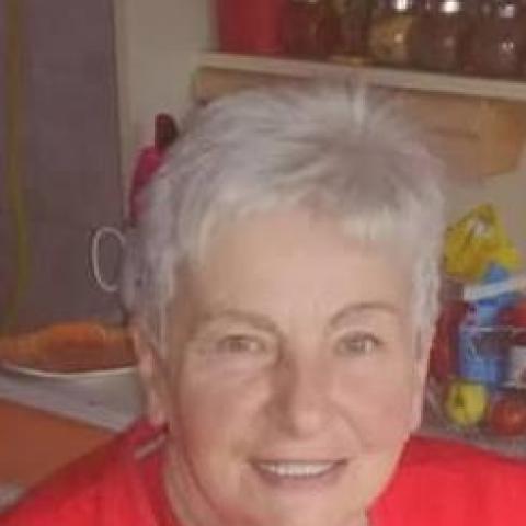 Julianna, 65 éves társkereső nő - Tiszaföldvár