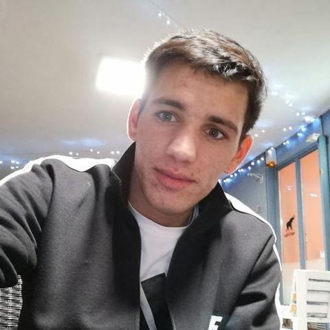 István, 23 éves társkereső férfi - Szekszárd