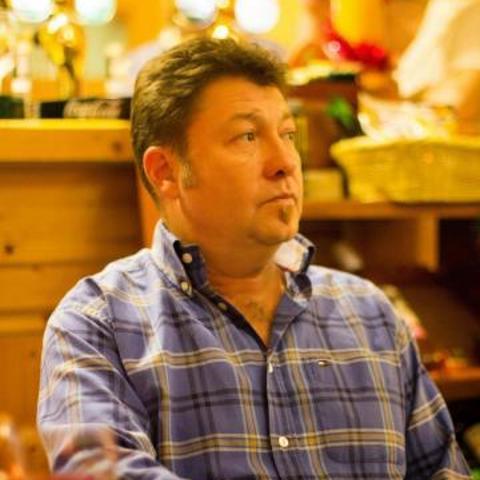 Gábor, 54 éves társkereső férfi - Budapest