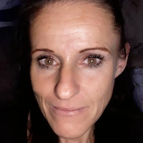 Szilvia, 44 éves társkereső nő - Nyíregyháza