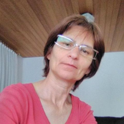 Ágnes, 54 éves társkereső nő - Decs