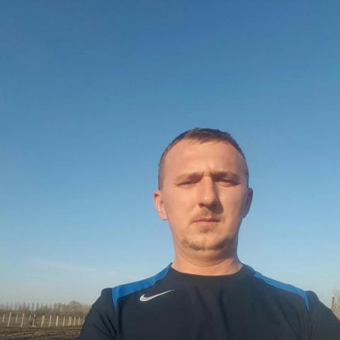 Pisti, 37 éves társkereső férfi - Nyíregyháza