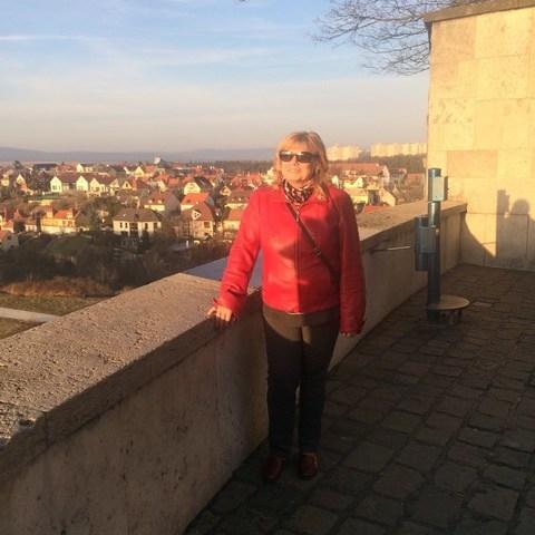 Irina, 65 éves társkereső nő - Veszprém