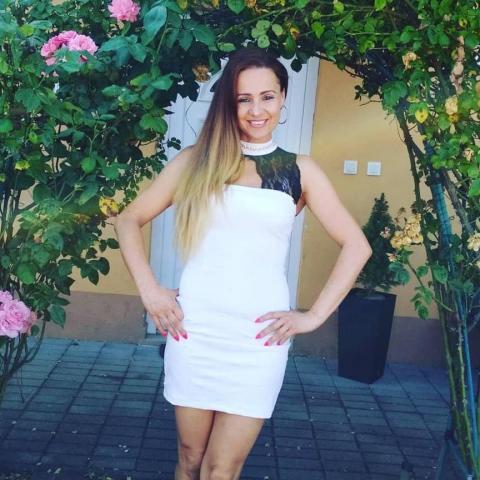Beáta, 41 éves társkereső nő -