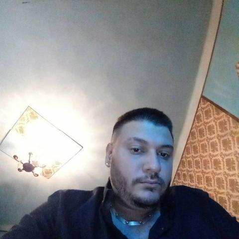 Zoli, 29 éves társkereső férfi - Miskolc