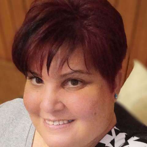 Hajnalka, 45 éves társkereső nő - Devecser