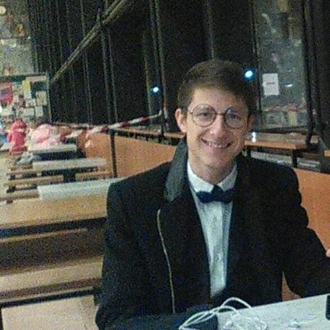 Béla, 22 éves társkereső férfi - Debrecen