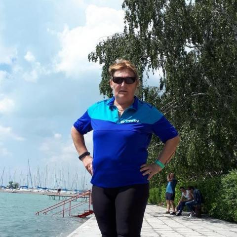 Erzsébet, 56 éves társkereső nő - Naszály