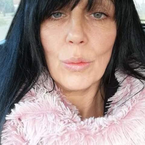 Szilvia , 39 éves társkereső nő - Heves