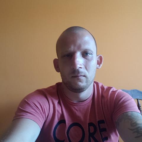 tamas, 35 éves társkereső férfi - Nyíregyháza