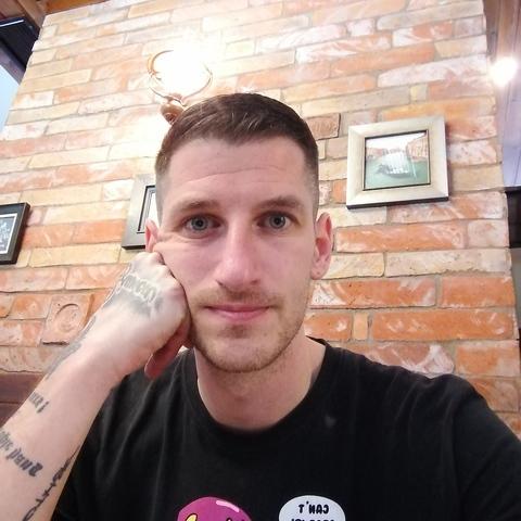 Rob, 37 éves társkereső férfi - Debrecen