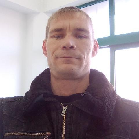 Zsolt, 34 éves társkereső férfi - Nagydobrony