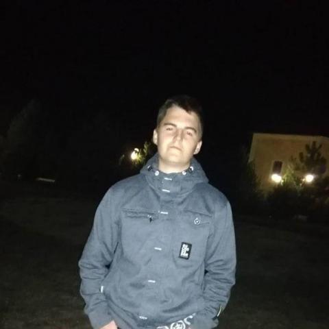István, 19 éves társkereső férfi - Mátészalka