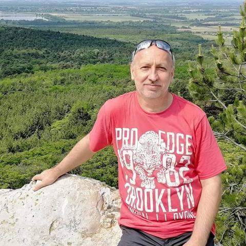 Róbert, 54 éves társkereső férfi - Tatabánya