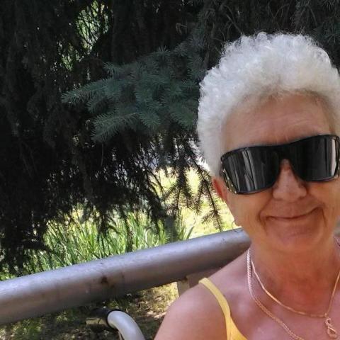 Magdi, 69 éves társkereső nő - Litke