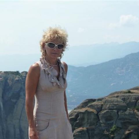 Tünde, 59 éves társkereső nő - Eger