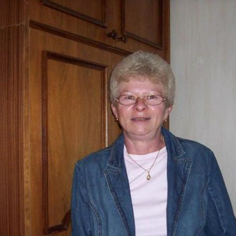 Ilona, 64 éves társkereső nő - Zalaegerszeg