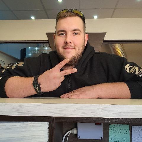 Bence, 26 éves társkereső férfi - Kazincbarcika