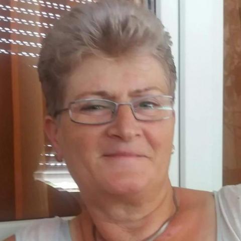 Erzsébet, 59 éves társkereső nő - Paks