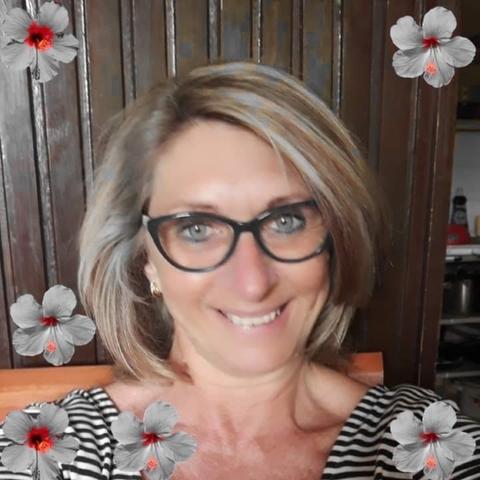 Erzsébet, 54 éves társkereső nő - Százhalombatta