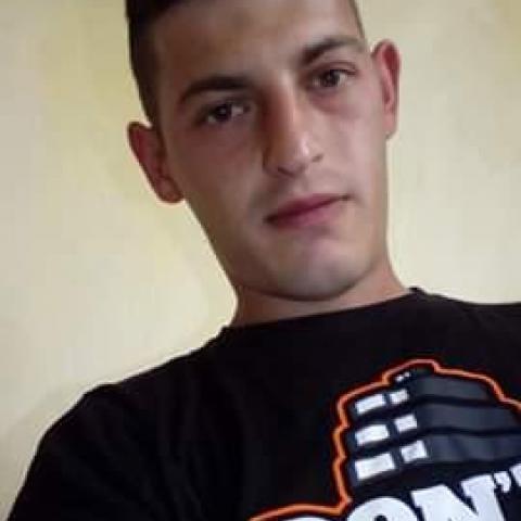 Roland, 26 éves társkereső férfi - Makó