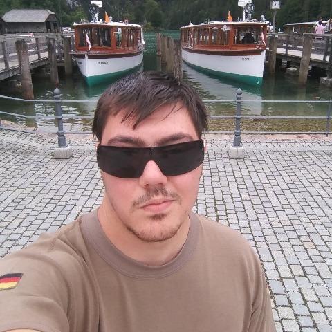 Imre , 25 éves társkereső férfi - Szeged