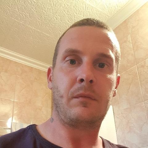 Imre, 32 éves társkereső férfi - Mikepércs