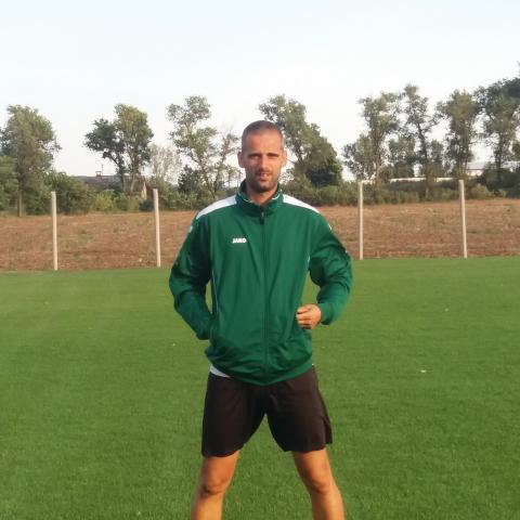 Attila, 39 éves társkereső férfi - Újbarok