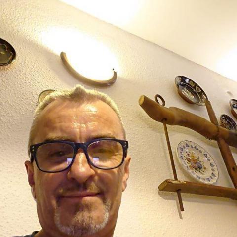 Gyula, 56 éves társkereső férfi - Mosonmagyaróvár