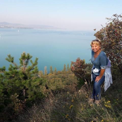 Móni, 62 éves társkereső nő - Balatonfüred