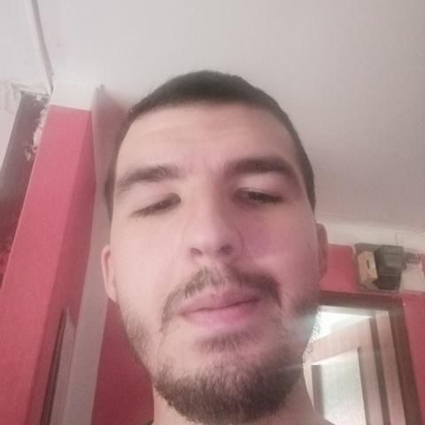 Viktor, 26 éves társkereső férfi - Hódmezővásárhely