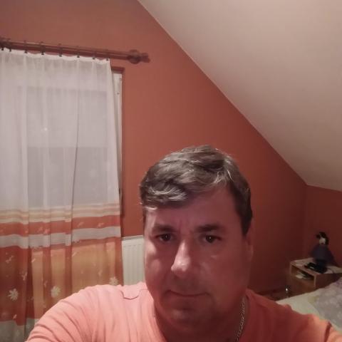 Dènes, 49 éves társkereső férfi - Eszteregnye
