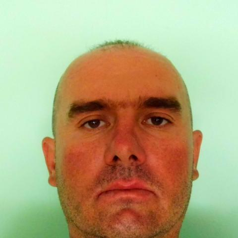 Gábor, 41 éves társkereső férfi - Doboz