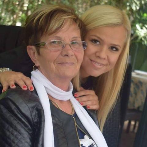Zsófi, 68 éves társkereső nő - Szarvas