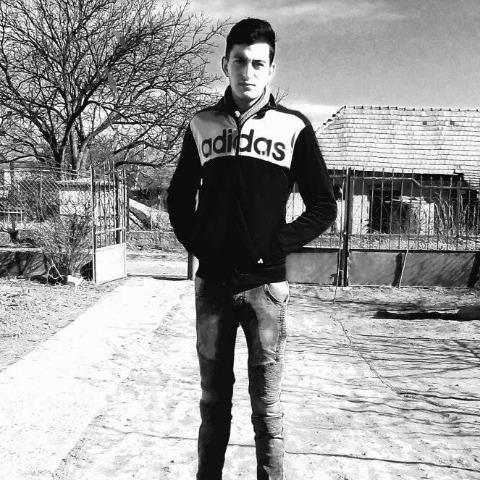 Csaba, 19 éves társkereső férfi - Szentistvánbaksa