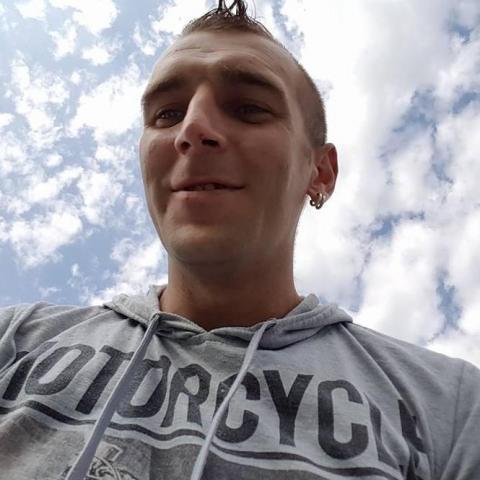 Attila, 32 éves társkereső férfi - Pusztahencse