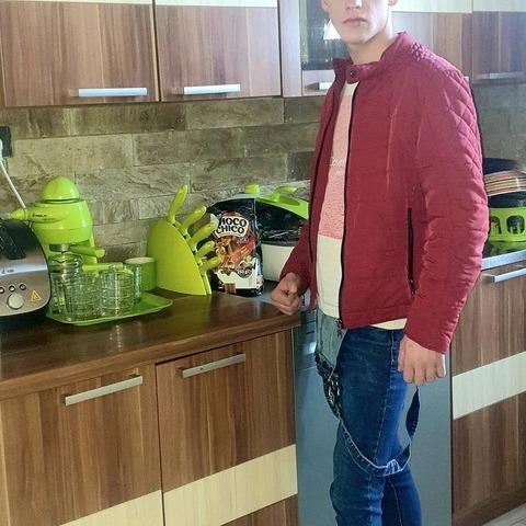 Róbert, 19 éves társkereső férfi - Veszprém
