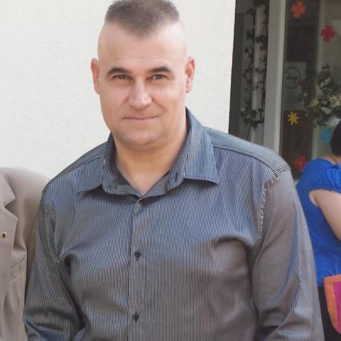 Sanya, 55 éves társkereső férfi - Komló