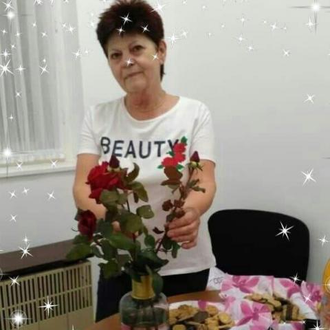 Erzsébet, 67 éves társkereső nő - Nyíregyháza