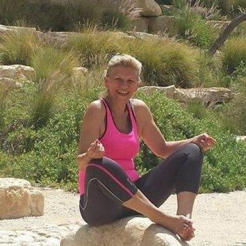 Márta, 64 éves társkereső nő - Miskolc