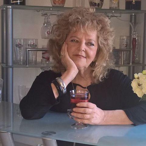 Zsuzsi, 58 éves társkereső nő - Gödöllő