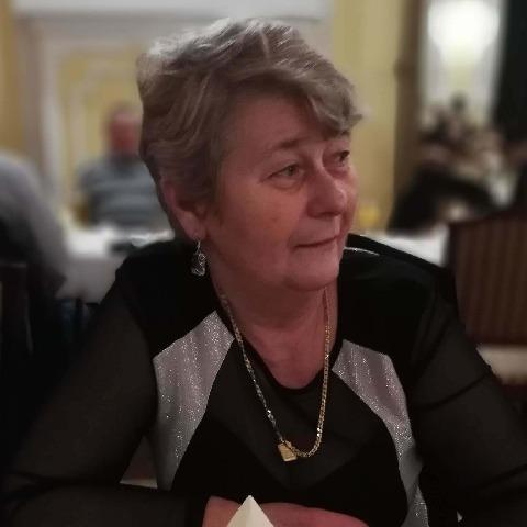 Ágnes, 66 éves társkereső nő - Szeged