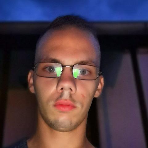 Istvan, 26 éves társkereső férfi - Kazincbarcika