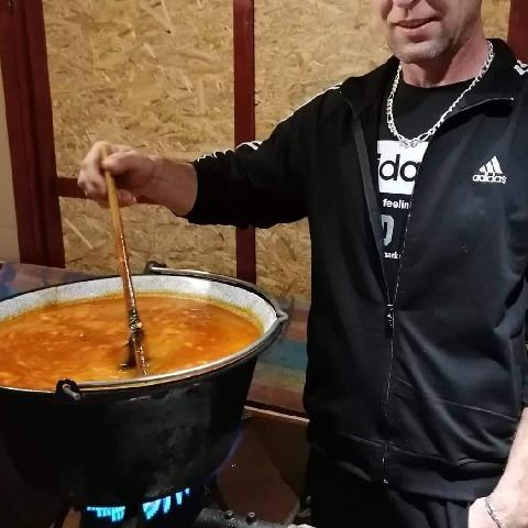 Sándor, 48 éves társkereső férfi - Terem